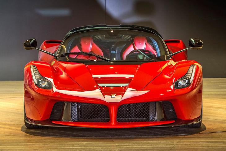 Ferrari-LaFerrari-729x486-d07ed847a49c4ac9
