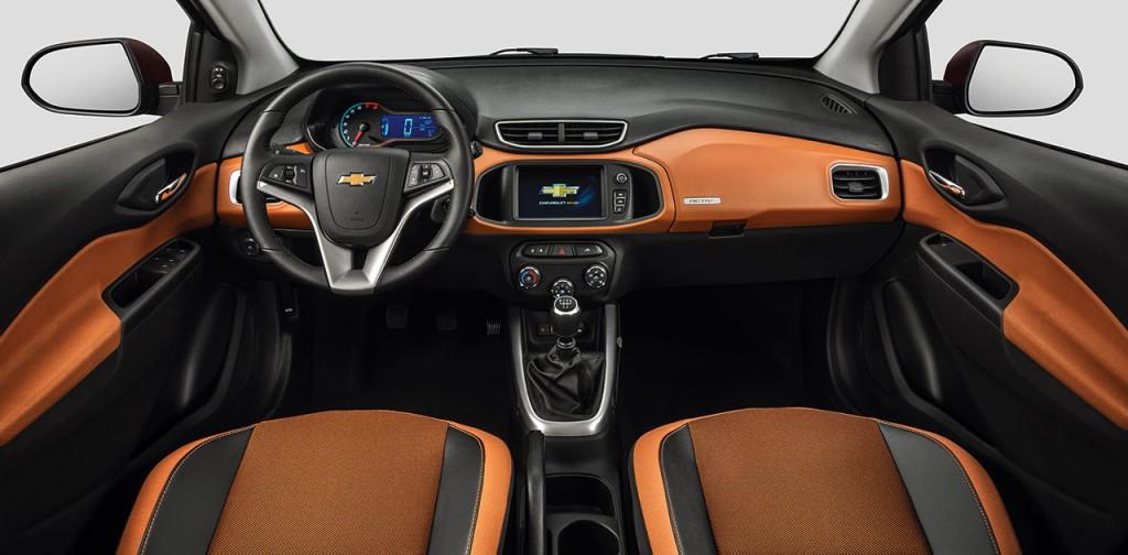 2016-chevrolet-onix-activ-auto-offroad-interior-amplio-2-11 (1)