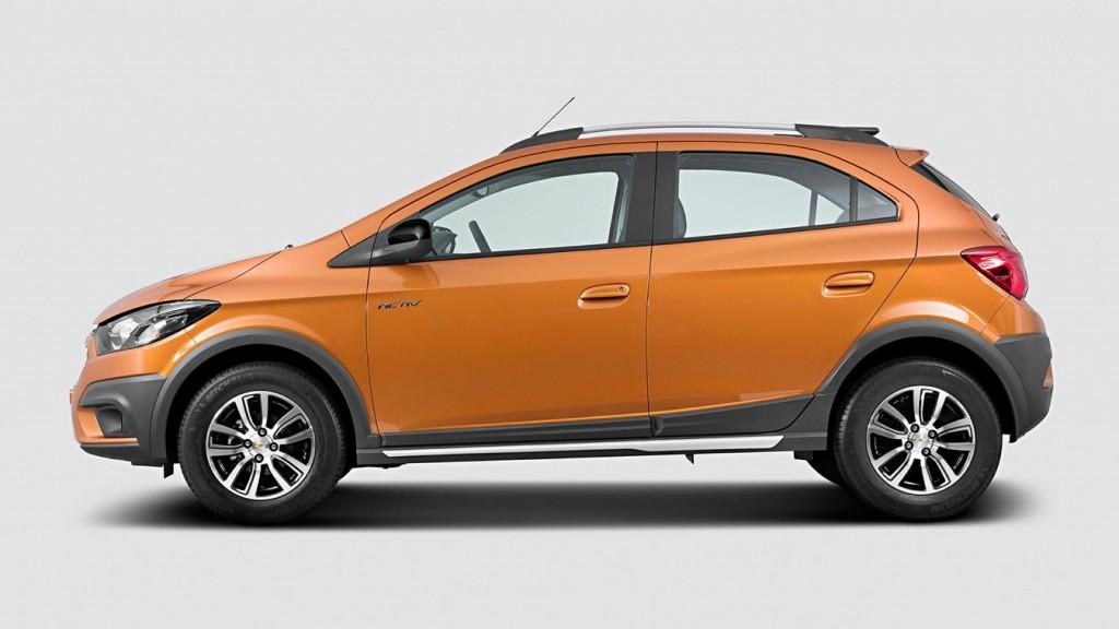 Chevrolet-Onix-Activ-Uruguay-2018 (2)