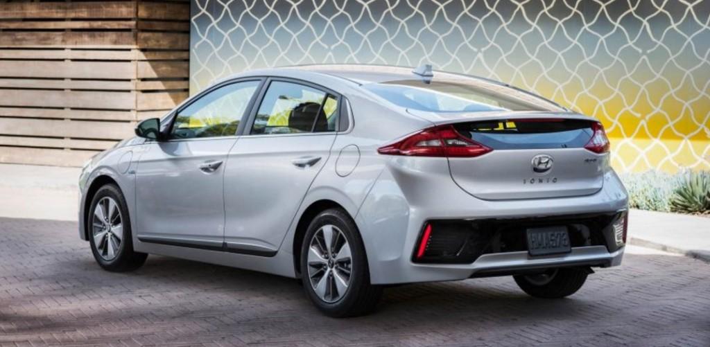2018-Hyundai-Ioniq-8