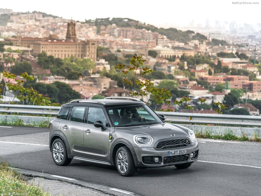 Mini-Countryman_Plug-in_Hybrid-2017-1024-23