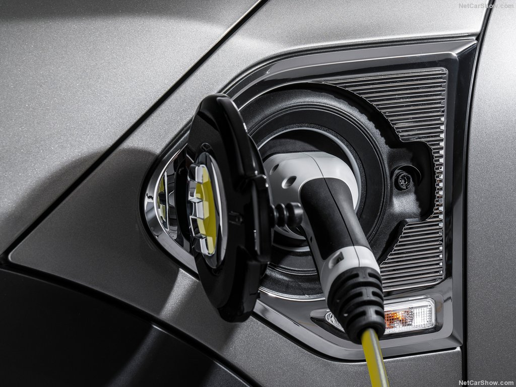 Mini-Countryman_Plug-in_Hybrid-2017-1024-9e