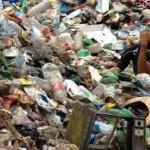 Un grave problema: la disposición del plástico. Foto Wikipedia