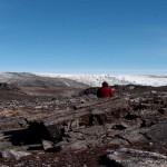 Estudio de la formación antigua en Groenlandia. Cortesía Yuri Amelin
