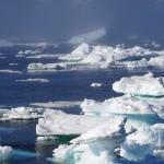 Icebergs desprendidos de Groenlandia. Foto Pixabay