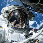 Astronauta de la Estación Espacial en una caminata. Foto Nasa