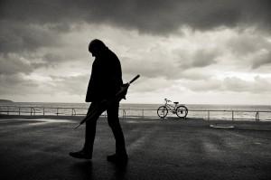 Sentirse solo deteriora la salud física y mental. Foto Chris de Nice/Flickr