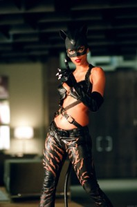 Halle-Berry-As-Catwoman-00