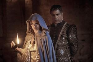 Marlon Moreno es el Duque de Lerma y Eugenia Su+írez es la Reina Margarita en Sitiados 2 - FOX PREMIUM (4)