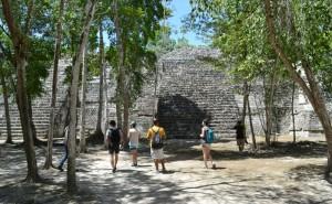 Balamku exterior (800x494)