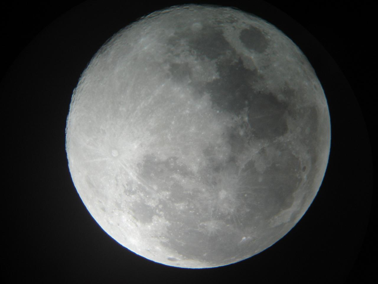 Foto Juan Pablo Ramírez, 5 de noviembre de 2006. Telescopio Orión Starmax 127 EQ y cámara digital Sony Cibershot