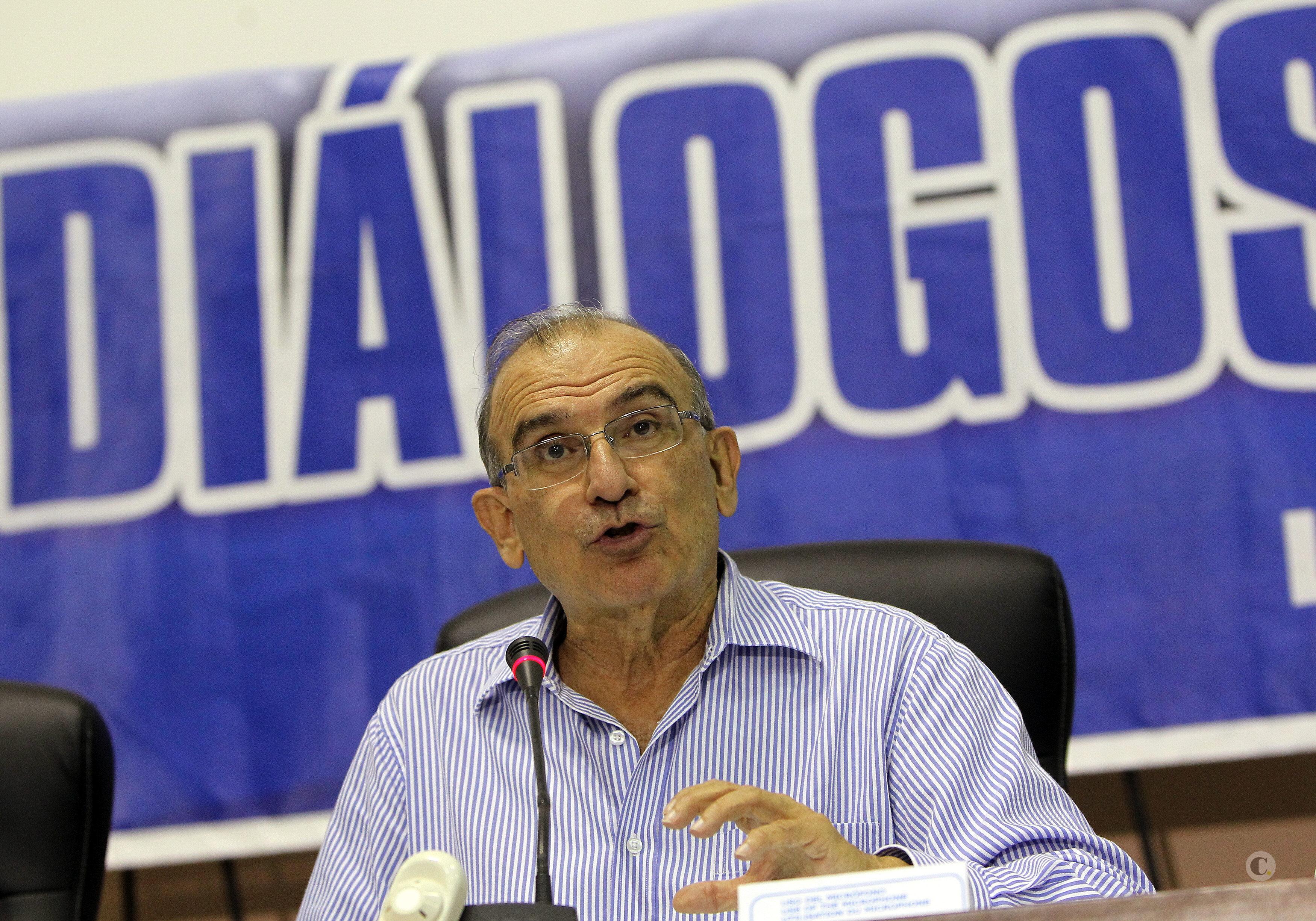 Presidente del Senado propone reunión entre Santos y Pinzón para limar asperezas