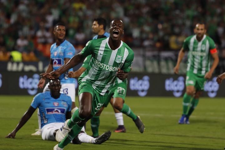 Baldomero Perlaza anotó el primer gol con la camiseta de Nacional. Foto Jaime Pérez -El Colombiano.