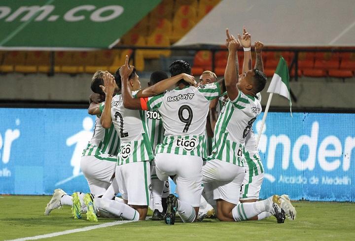 Uno que regresó, Neyder Moreno, y uno de altibajos, Vladimir Hernández pusieron los dos gritos de gol ante Santa Fe. Foto Dimayor.