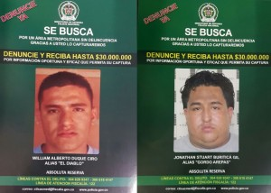 """Estos son los volantes que distribuye la Policía, ofreciendo la recompensa contra alias """"el Diablo"""" y su enemigo """"Gordo Arepas"""". Cortesía Policía Metropolitana."""