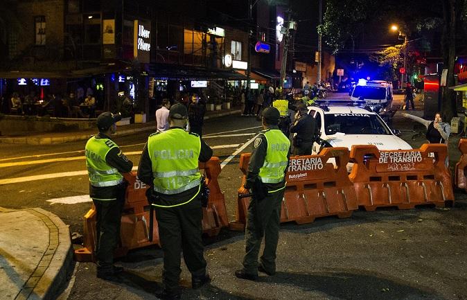 En la Operación Zafiro fueron arrestados siete policías activos, varios de los cuales prestaban servicio en El Poblado. Foto de archivo.
