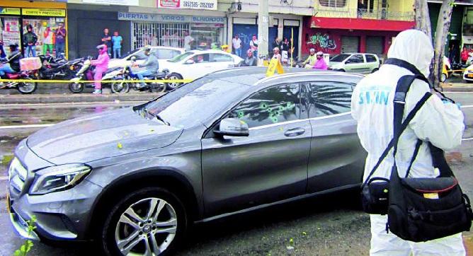 En este vehículo se transportaba Gabriel Martínez Franco, cuando fue atacado por los sicarios. Foto de Andrés Osorio.