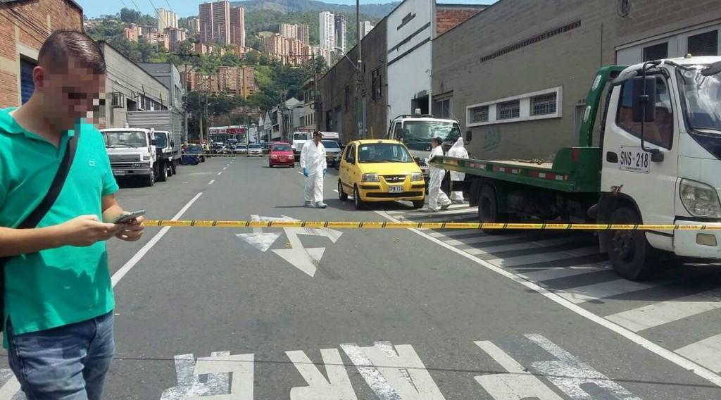 Escena del crimen en Barrio Colombia, donde en un taxi acribillaron al australiano Erdinc Alper Yildiz (04/2/17). Cortesía.