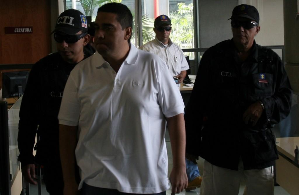 """Así lucía Luis Fernando Castaño, alias """"Botija"""" o """"la Firma"""", cuando fue capturado por el CTI el 17 de febrero de 2009, en cercanías al aeropuerto Enrique Olaya Herrera de Medellín. Foto de archivo."""