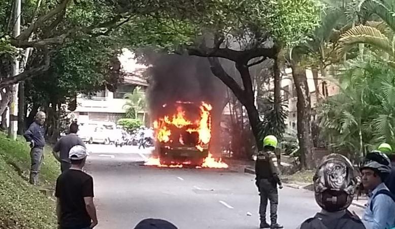 Ningún pasajero resultó herido en el incidente. Foto cortesía de Guardianes Antioquia,