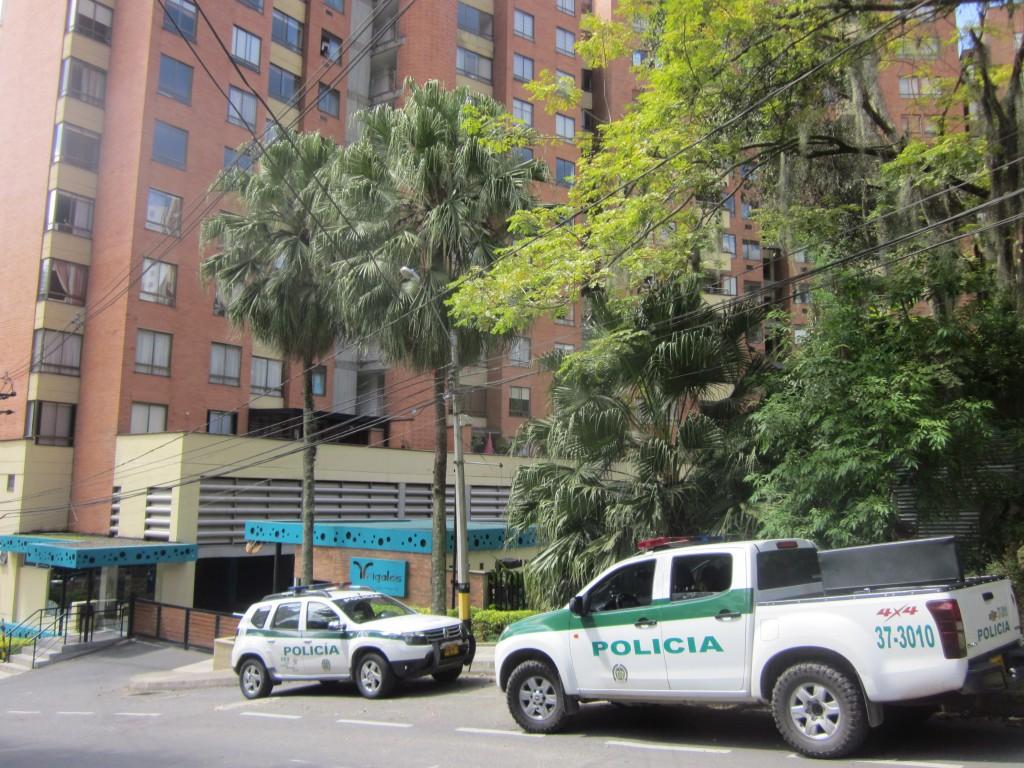 """De un apartamento de la urbanización Trigales, en El Poblado, robaron el tesoro de la organización Clan del Golfo o """"los Urabeños"""", en octubre de 2017. Foto de Róbinson Sáenz."""