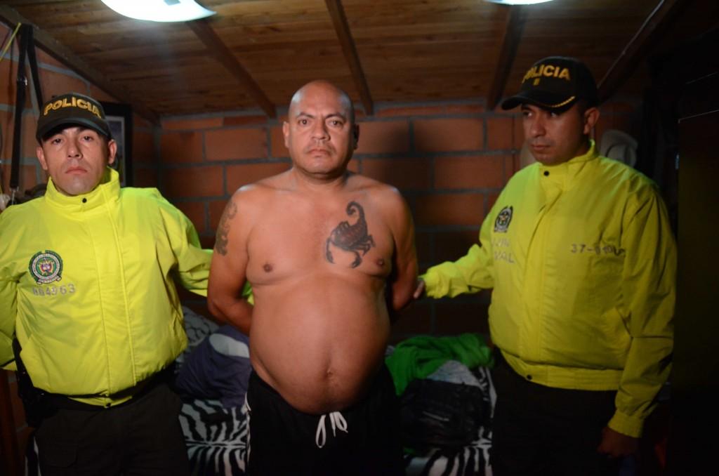 """Ómar Darío Mazo, apodado """"don Omar"""", al momento de su captura en una finca de Copacabana, Antioquia. Foto cortesía de la Policía Metropolitana."""