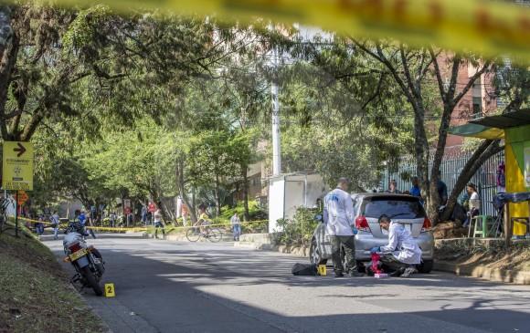 Escena del crimen del 25 de febrero en el barrio Niquía, en la que mataron a un motociclista y secuestraron a un adolescente. Foto de Santiago Mesa.