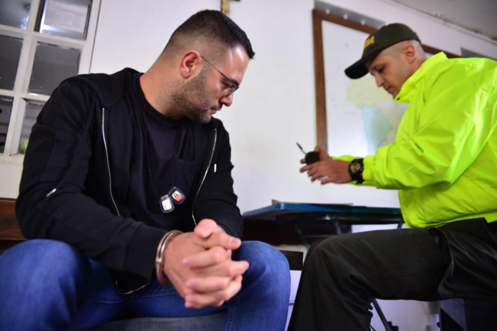 """El comerciante Jhon Fredy Yepes aseguró que él no era """"Clemente"""". Su defensa tendrá que demostrarlo ante el juez. Foto cortesía de la Policía Metropolitana."""