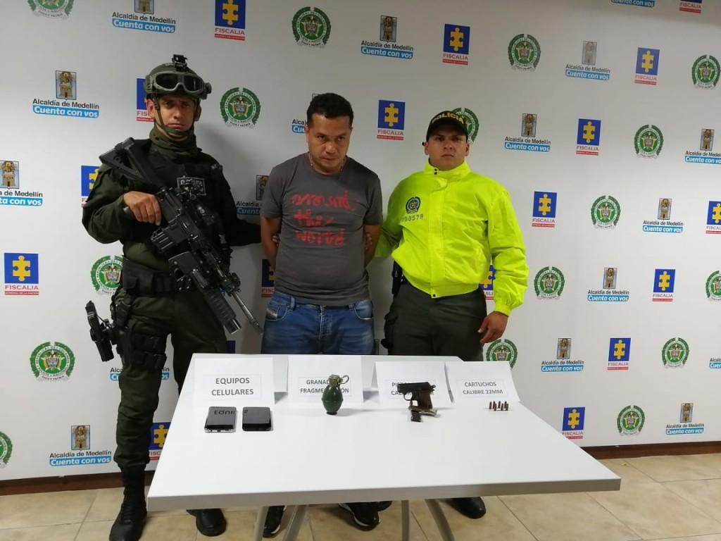 """Alias """"Juano"""" fue capturado en el municipio de Guarne y será trasladado a la cárcel La Picaleña de Ibagué. Foto cortesía de la Policía."""