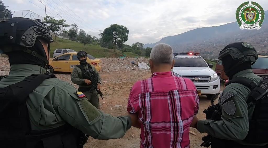 """Alias """"Pedro Pistolas"""" estaba desarmado al momento de su captura, en el barrio Belalcázar de Medellín. Foto cortesía de la Policía."""