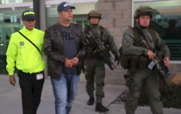 """Así fue la captura y traslado de """"Barny"""" en Bogotá, en enero de 2015. Foto: cortesía de la Policía."""