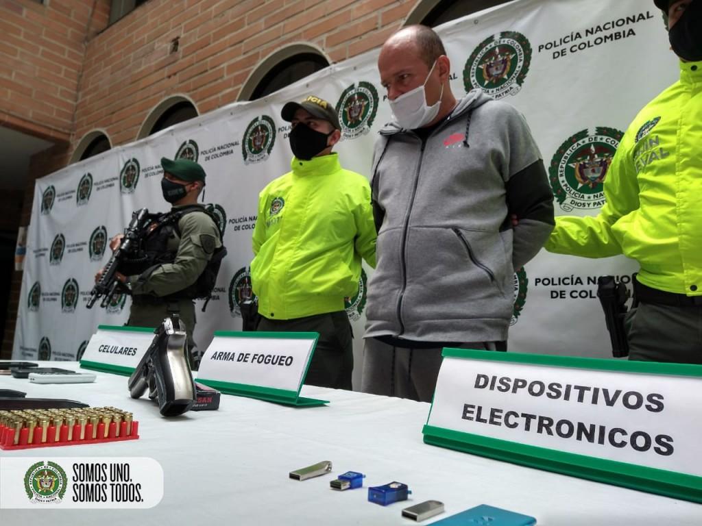 """Así fue presentada la captura de Josué Fabio Osorio, alias """"Chepe"""", por parte de la Sijín de la Policía. Foto cortesía de la Policía."""