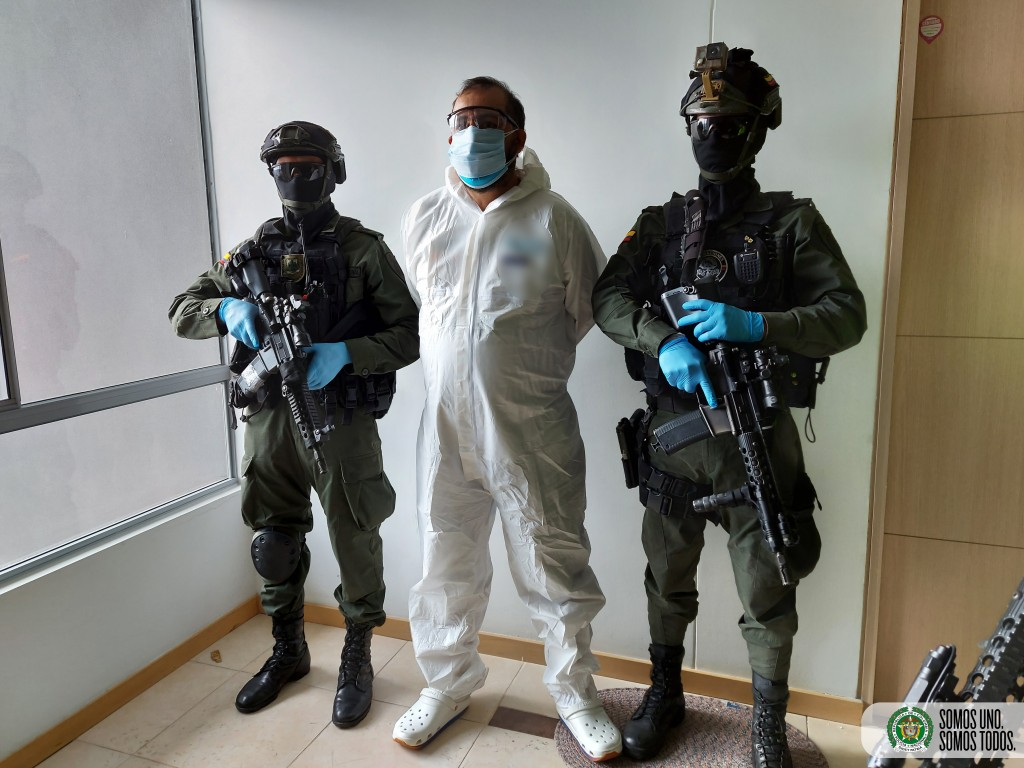 """Albert Henao Acevedo, alias """"Alber"""", fue capturado en un apartamento de El Poblado, en un operativo policial coordinado desde Bogotá. Foto cortesía de la Policía."""