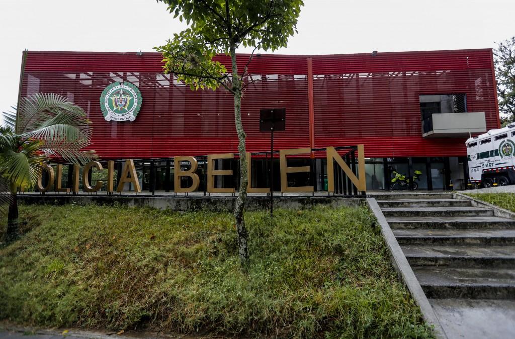 Esta es la estación de Policía de Belén, ubicada en el barrio San Bernardo de Medellín, que presta servicio a las comunas 15 y 16. Foto de Jaime Pérez.