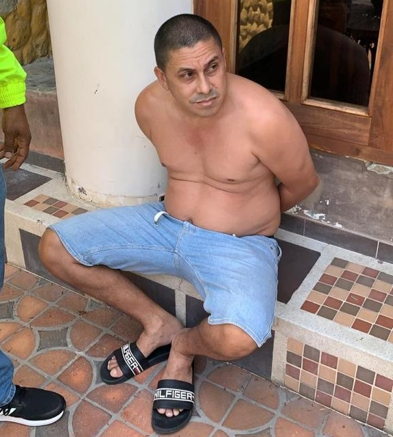 """Luego de su captura en Santa Fe de Antioquia, alias """"Dimas"""" fue trasladado a Medellín para su audiencia de control de garantías. Foto de cortesía."""