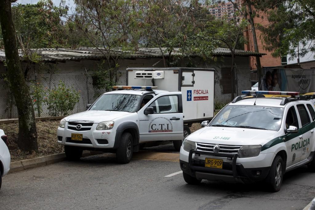 Los técnicos forenses del CTI inspeccionaron la escena del crimen en el restaurante, encontrando vainillas de calibre 7.65. Foto de archivo.