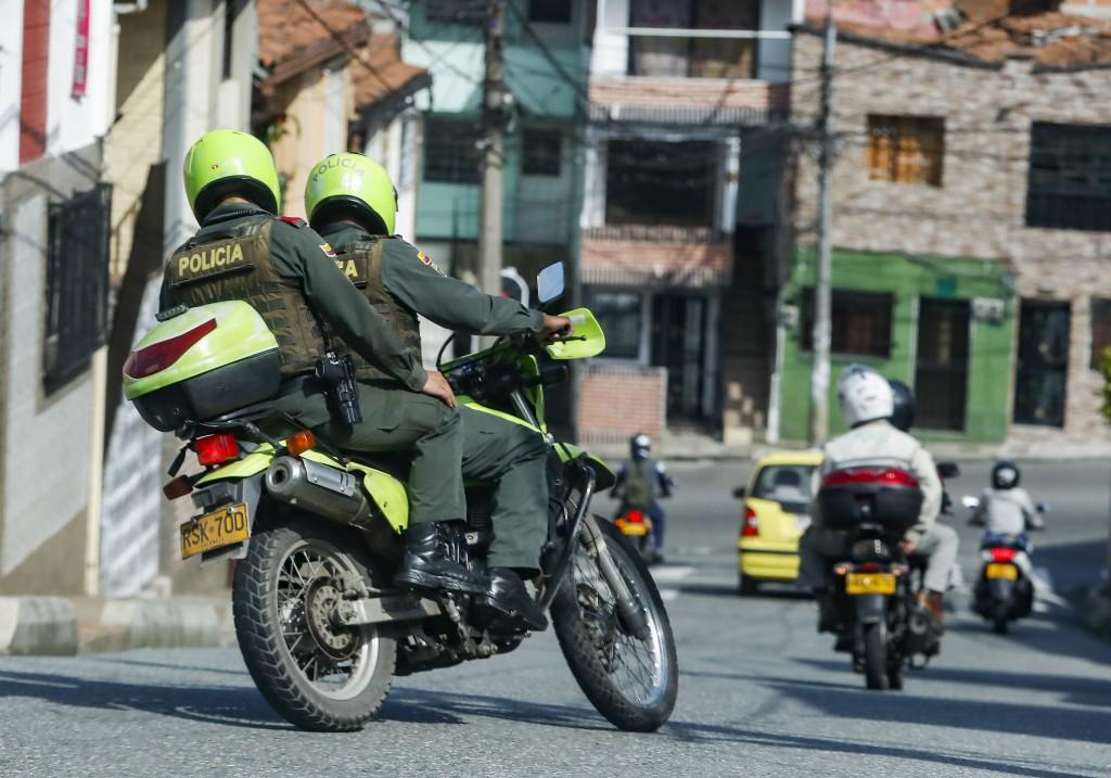 Los patrullajes de la Policía en Manrique y Aranjuez no han sido suficientes para mermar el índice de homicidios en 2021. Foto de Manuel Saldarriaga.