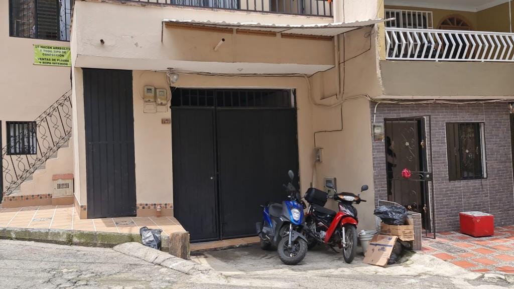 Este es el garaje en el cual se realizó la fiesta, ubicado en el barrio El Tablazo de Itagüí. Foto de Santiago Olivares Tobón.