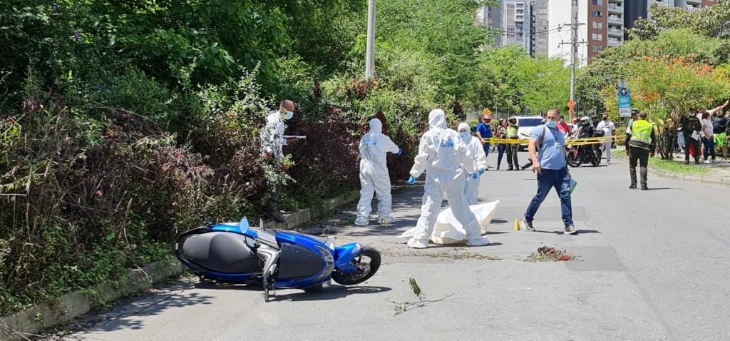 Escena del asesinato ocurrido en la Loma de los Bernal, en Medellín. Foto de  Santiago Olivares Tobón.