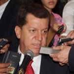 Álvaro Vásquez, aunque ganó la consulta conservadora, aún no logra unir las fuerzas visibles de ese partido, entorno a su nombre.